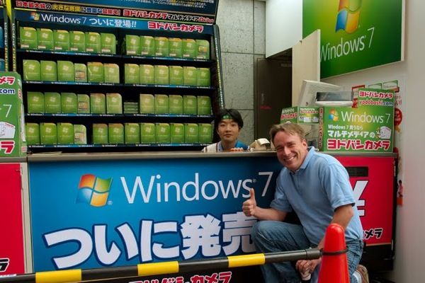 linus-torvalds-gives-windows-7-a-big-thumbs-up.jpg
